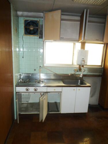 工事前のキッチン写真
