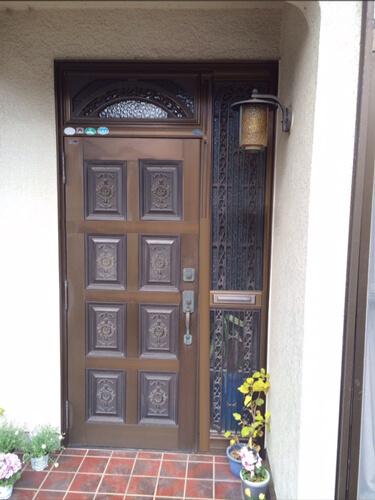 交換工事前玄関ドア