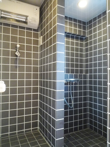 シャワーブース+洗濯機スペース
