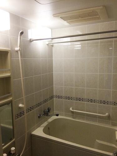 工事前浴室