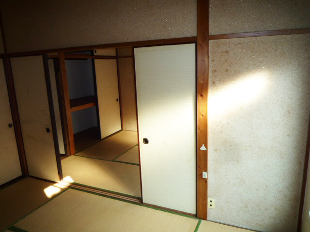 内装工事前和室