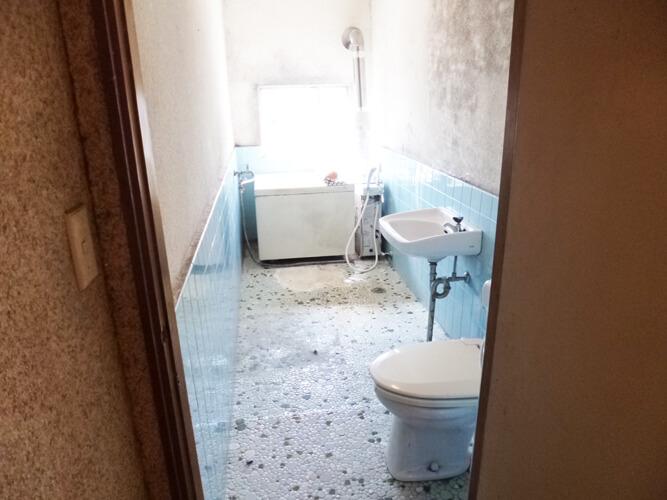 リフォーム前のバストイレ