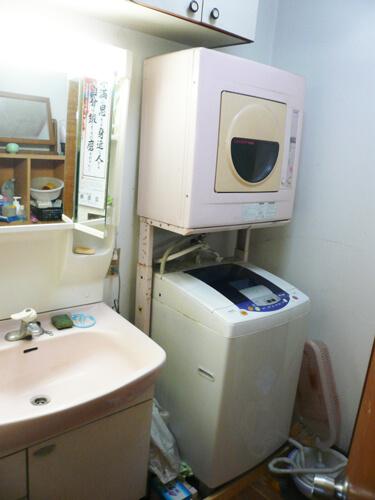 工事前洗面室