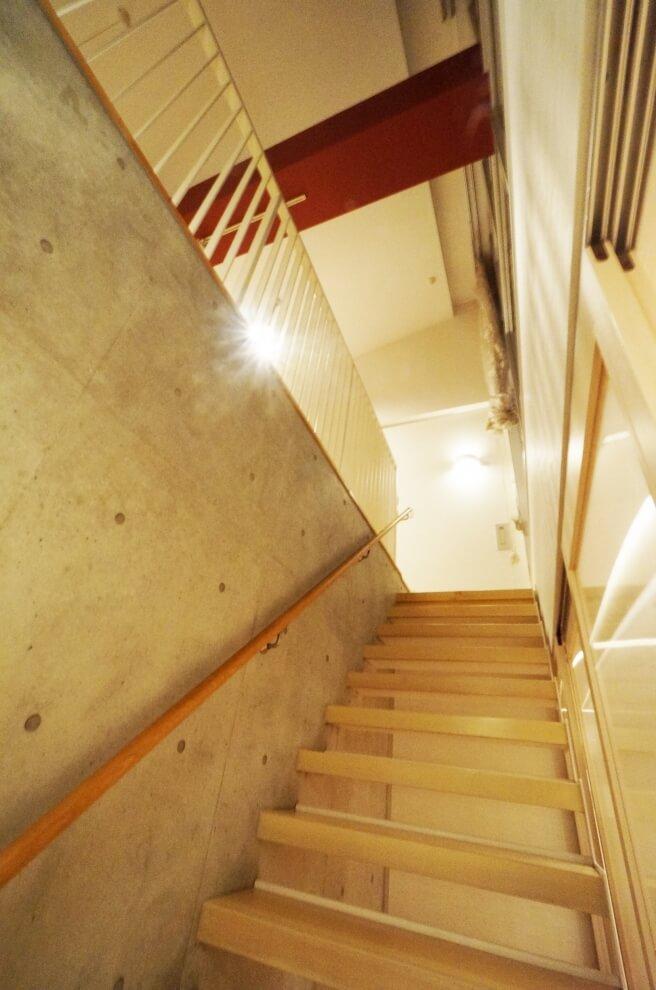 内装工事後階段